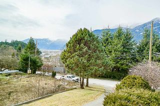 Photo 1: 38100 CLARKE Drive in Squamish: Hospital Hill House for sale : MLS®# R2340968