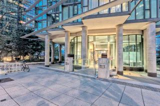 "Photo 1: 807 1331 W GEORGIA Street in Vancouver: Coal Harbour Condo for sale in ""THE POINTE"" (Vancouver West)  : MLS®# R2483635"