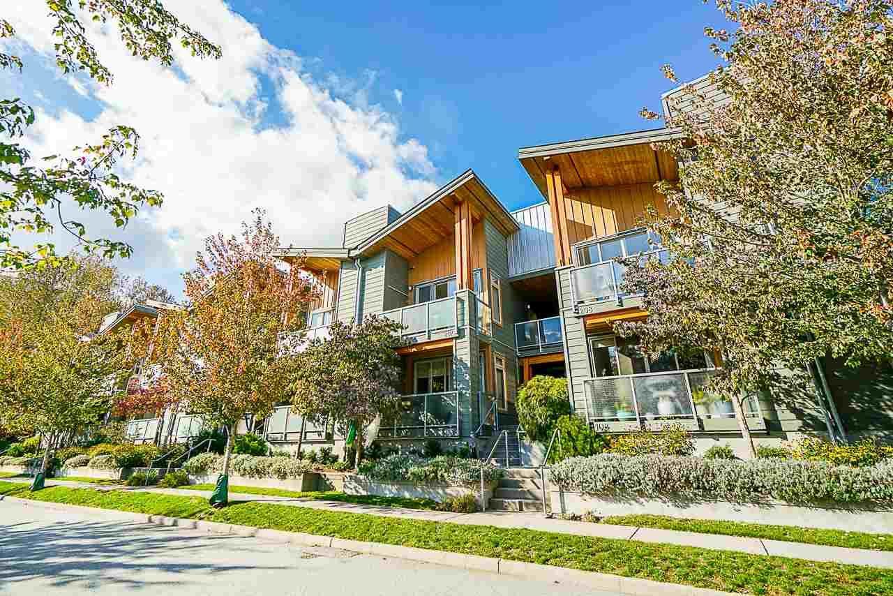 "Main Photo: 207 40147 GOVERNMENT Road in Squamish: Garibaldi Estates Condo for sale in ""Amplepath"" : MLS®# R2432538"