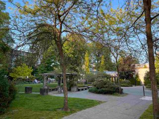 """Photo 32: 613 2655 CRANBERRY Drive in Vancouver: Kitsilano Condo for sale in """"NEW YORKER"""" (Vancouver West)  : MLS®# R2581568"""
