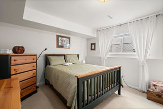 """Photo 33: 828 PARKER Street: White Rock House for sale in """"EAST BEACH"""" (South Surrey White Rock)  : MLS®# R2607727"""