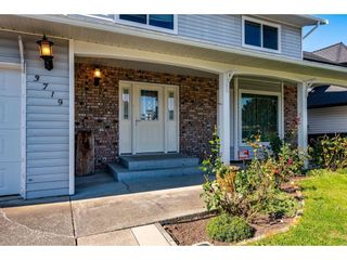 """Photo 2: 3719 NOOTKA Street in Abbotsford: Central Abbotsford House for sale in """"Parkside"""" : MLS®# R2409640"""
