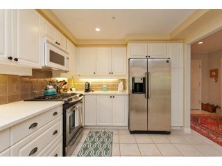 Photo 7: # 402 1725 128TH ST in Surrey: Crescent Bch Ocean Pk. Condo for sale (South Surrey White Rock)  : MLS®# F1441077