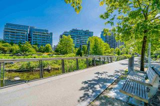 """Photo 34: 1702 1708 COLUMBIA Street in Vancouver: Mount Pleasant VW Condo for sale in """"Wall Centre False Creek"""" (Vancouver West)  : MLS®# R2580995"""