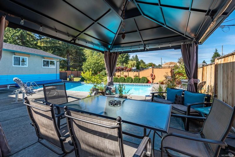 FEATURED LISTING: 859 19th St