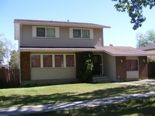 Photo 3: 1324 Norfolk Drive NW in Calgary: North Haven Upper Detached for sale : MLS®# A1139776