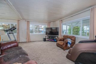 """Photo 4: 24 8254 134 Street in Surrey: Queen Mary Park Surrey Manufactured Home for sale in """"WESTWOOD ESTATES"""" : MLS®# R2508251"""