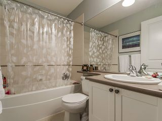 """Photo 10: 135 15168 36 Avenue in Surrey: Morgan Creek Townhouse for sale in """"SOLAY"""" (South Surrey White Rock)  : MLS®# F1406859"""