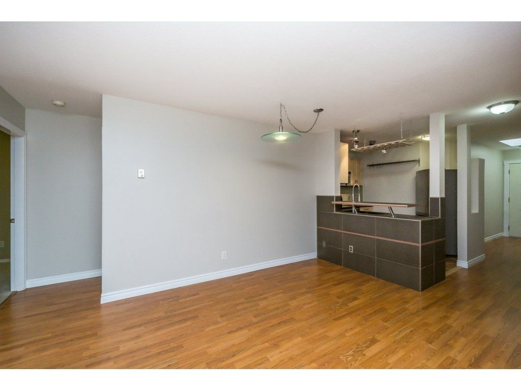 """Photo 7: Photos: 302 33839 MARSHALL Road in Abbotsford: Central Abbotsford Condo for sale in """"Cityscape"""" : MLS®# R2106369"""