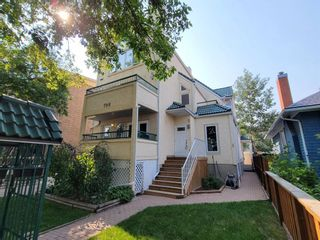 Main Photo: 2 708 2 Avenue NW in Calgary: Sunnyside Row/Townhouse for sale : MLS®# A1132273