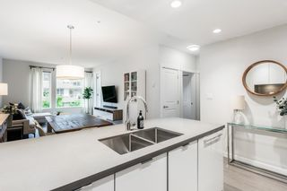 """Photo 10: 207 255 W 1ST Street in North Vancouver: Lower Lonsdale Condo for sale in """"West Quay"""" : MLS®# R2603882"""