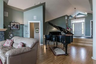 Photo 10: 40 Slopes Grove SW in Calgary: Springbank Hill Detached for sale : MLS®# A1069475