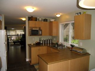 """Photo 2: # 24 5839 PANORAMA DR in Surrey: Sullivan Station Townhouse for sale in """"FOREST GATE"""" : MLS®# F1308334"""
