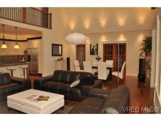 Photo 8: 2196 Nicklaus Dr in VICTORIA: La Bear Mountain House for sale (Langford)  : MLS®# 552756