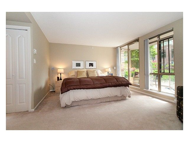 """Photo 7: Photos: 105 867 HAMILTON Street in Vancouver: Downtown VW Townhouse for sale in """"JARDINES LOOKOUT"""" (Vancouver West)  : MLS®# V832897"""
