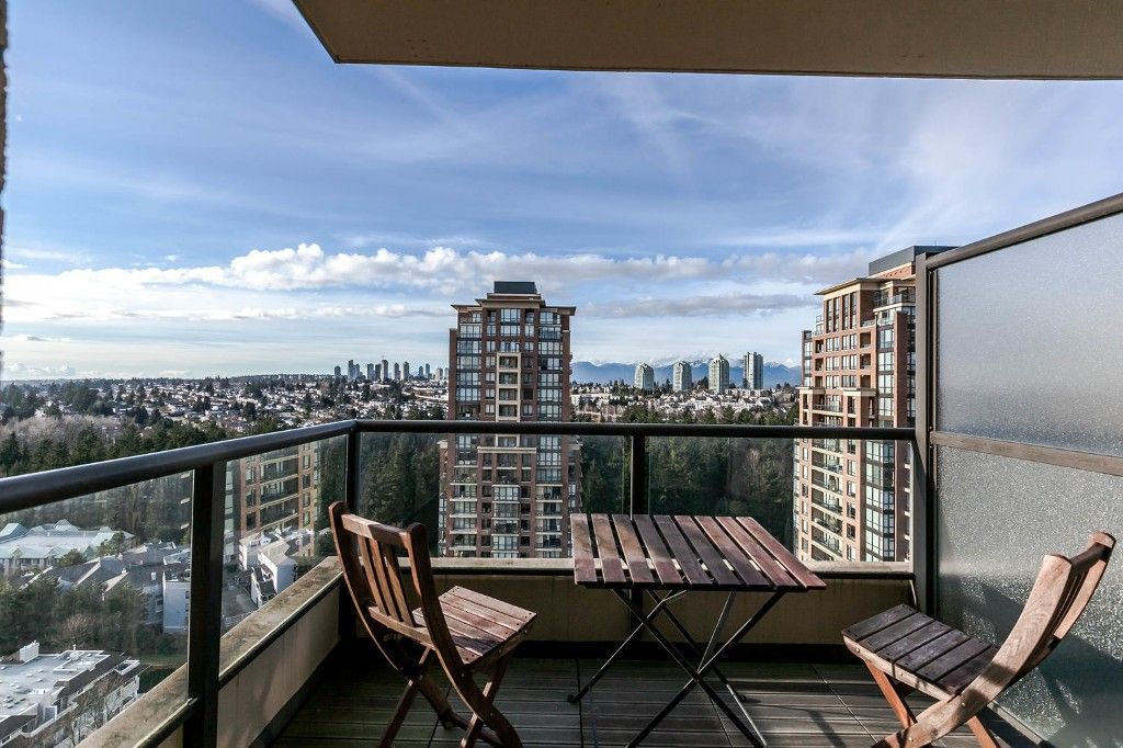 """Photo 5: Photos: 1903 7368 SANDBORNE Avenue in Burnaby: South Slope Condo for sale in """"MAYFAIR PLACE I"""" (Burnaby South)  : MLS®# R2140930"""