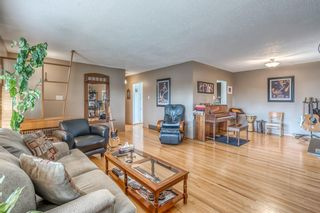 Photo 5: 332 99 Avenue SE in Calgary: Willow Park Detached for sale : MLS®# A1153224