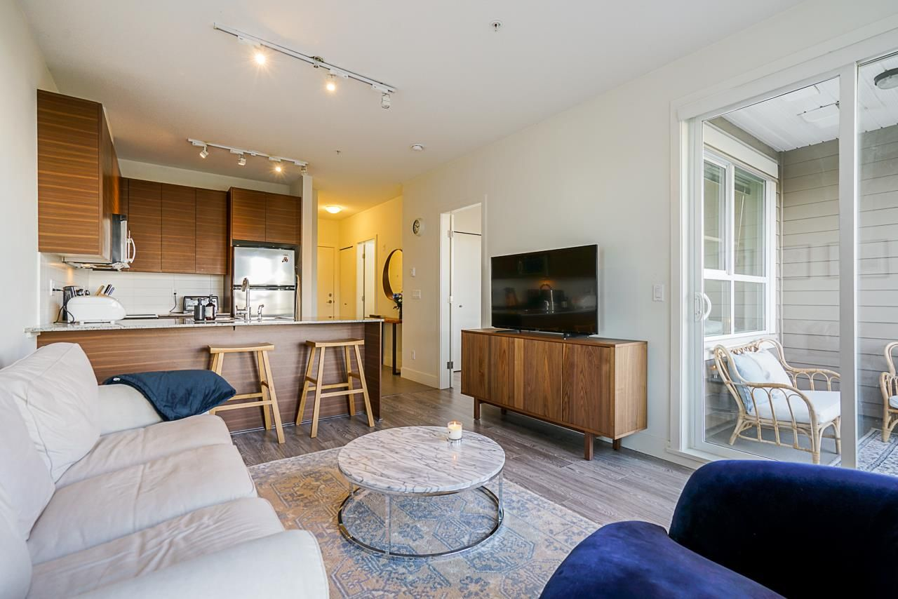"""Main Photo: 215 5788 SIDLEY Street in Burnaby: Metrotown Condo for sale in """"Machperson Walk North"""" (Burnaby South)  : MLS®# R2528004"""