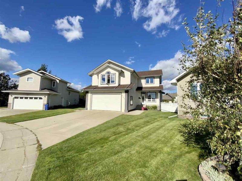 FEATURED LISTING: 208 Parkglen Close Wetaskiwin