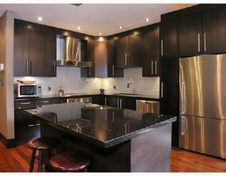 "Photo 1: 102 1970 HARO Street in Vancouver: West End VW Condo for sale in ""LAGOON ROYALE"" (Vancouver West)  : MLS®# V726155"