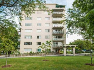 """Main Photo: 204 2409 W 43 Avenue in Vancouver: Kerrisdale Condo for sale in """"Balsam Court"""" (Vancouver West)  : MLS®# R2585606"""