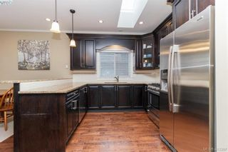 Photo 8: 2083 Longspur Dr in VICTORIA: La Bear Mountain House for sale (Langford)  : MLS®# 819774