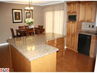 """Photo 5: 34855 CHAMPLAIN in Abbotsford: Abbotsford East House for sale in """"McMillan & Everett area"""" : MLS®# F1011087"""
