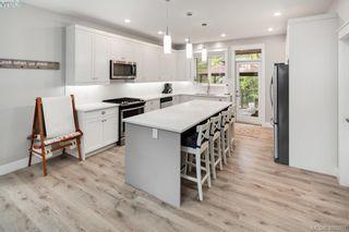 Photo 7: 2766 Kristina Pl in VICTORIA: La Fairway House for sale (Langford)  : MLS®# 812021