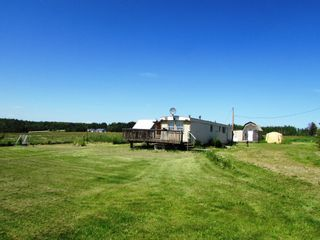 Photo 1: 3941 247 Road in Kiskatinaw: BCNREB Out of Area Manufactured Home for sale (Fort St. John (Zone 60))  : MLS®# R2327027