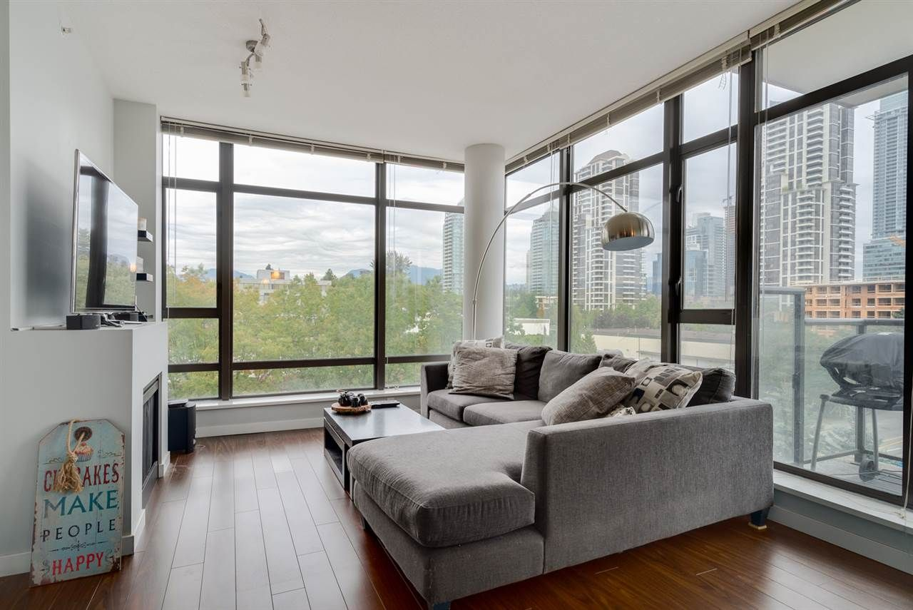 """Photo 2: Photos: 603 4250 DAWSON Street in Burnaby: Brentwood Park Condo for sale in """"OMA 2"""" (Burnaby North)  : MLS®# R2212990"""