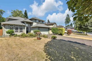 """Photo 3: 16367 109 Avenue in Surrey: Fraser Heights House for sale in """"Fraser Heights"""" (North Surrey)  : MLS®# R2605118"""