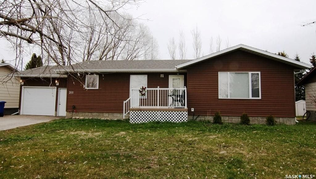 Main Photo: 311 Finley Avenue in Cut Knife: Residential for sale : MLS®# SK867154