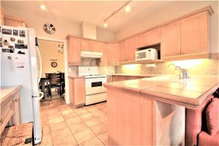 Photo 10: 25 5201 OAKMOUNT Crescent in Burnaby: Oaklands Townhouse for sale (Burnaby South)  : MLS®# R2610087