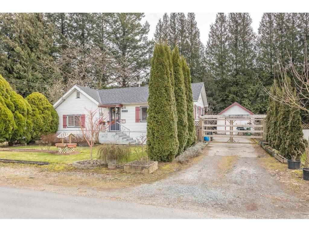 Main Photo: 46074 CLEVELAND Avenue in Chilliwack: Chilliwack N Yale-Well House for sale : MLS®# R2565501
