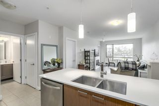 """Photo 4: 223 1330 MARINE Drive in North Vancouver: Pemberton NV Condo for sale in """"The Drive"""" : MLS®# R2237176"""
