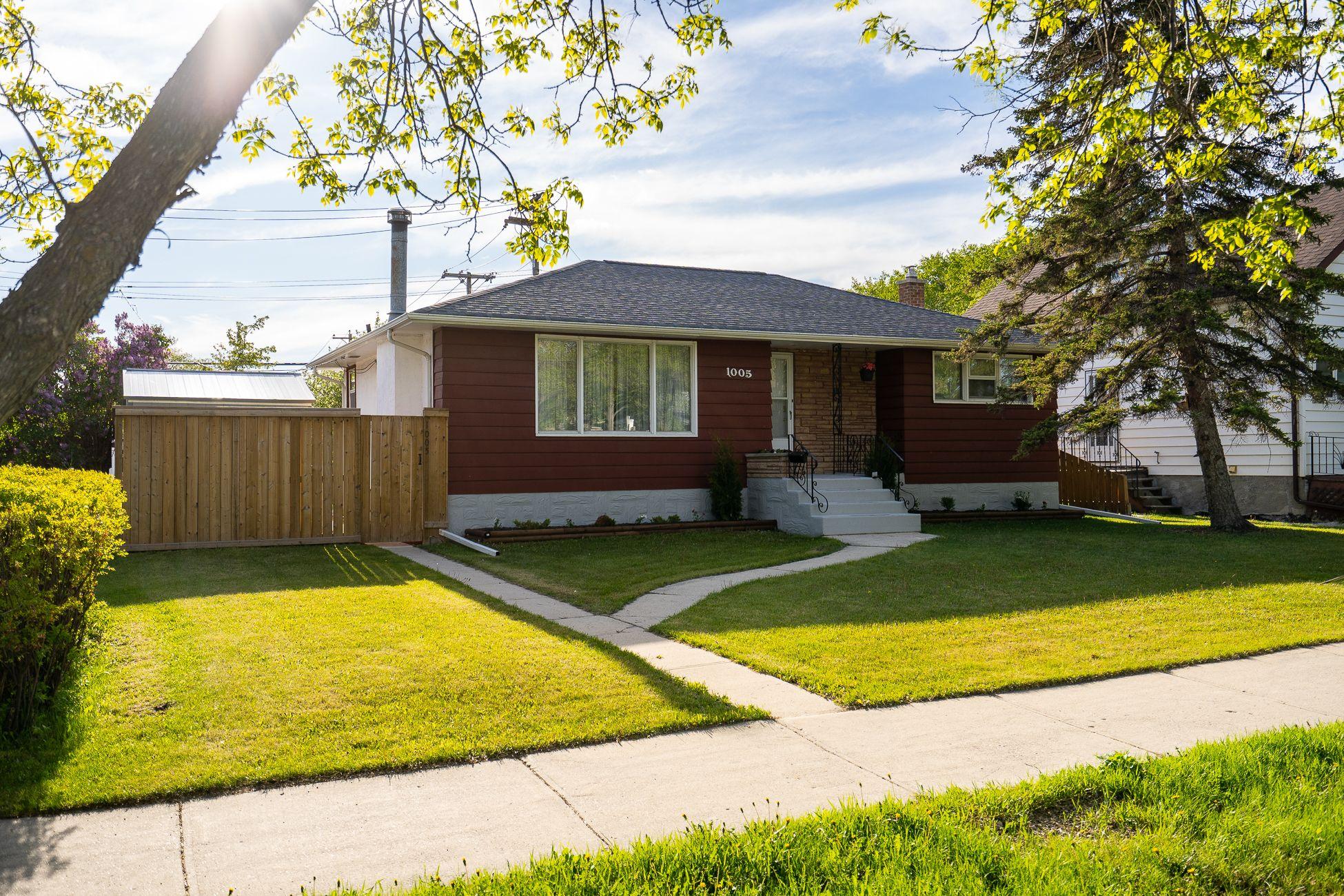 Main Photo: 1005 Day Street in Winnipeg: West Transcona House for sale (3L)  : MLS®# 202113009