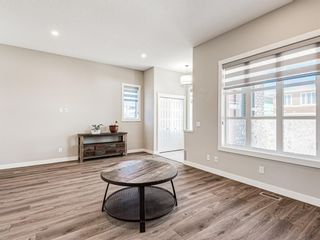 Photo 3: 417 Chinook Gate Square SW: Airdrie Detached for sale : MLS®# A1096458