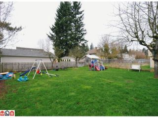 Photo 10: 7687 JUNIPER ST in Mission: Mission BC House for sale : MLS®# F1120098