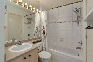 """Photo 7: PH8 1163 THE HIGH Street in Coquitlam: North Coquitlam Condo for sale in """"Kensington Court"""" : MLS®# R2452327"""