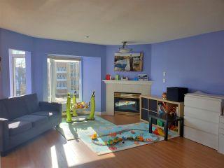 Photo 3: 305 2677 E BROADWAY Avenue in Vancouver: Renfrew VE Condo for sale (Vancouver East)  : MLS®# R2443996