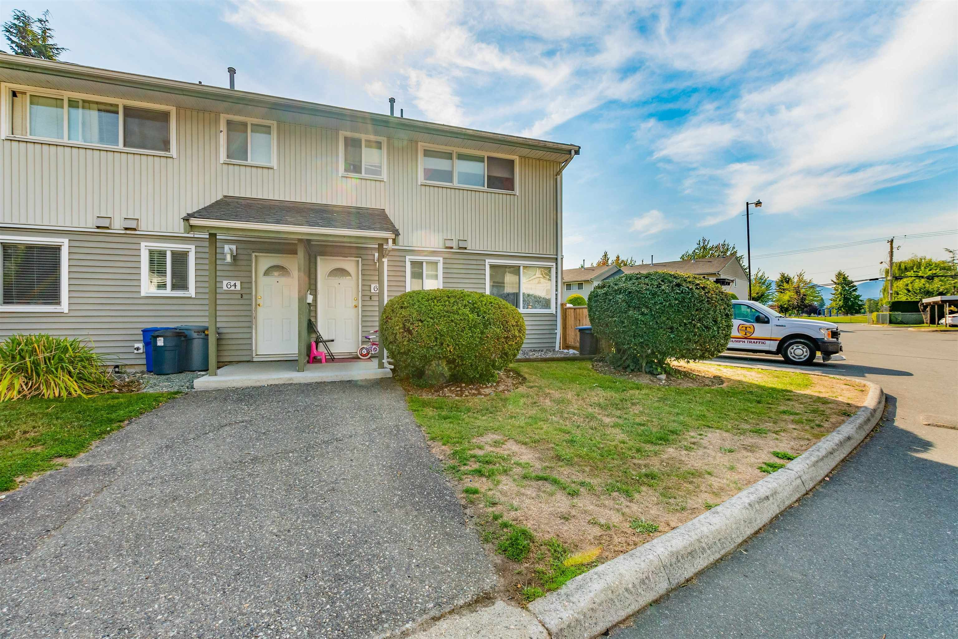"""Main Photo: 63 45185 WOLFE Road in Chilliwack: Chilliwack W Young-Well Townhouse for sale in """"Townsend Greens"""" : MLS®# R2614842"""