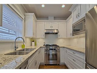 Photo 4: 2315 BALSAM Street in Vancouver: Kitsilano Townhouse for sale (Vancouver West)  : MLS®# V1074012