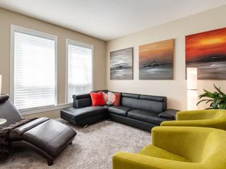Photo 3: 123 SIGNATURE Terrace SW in Calgary: Signal Hill Detached for sale : MLS®# C4303183