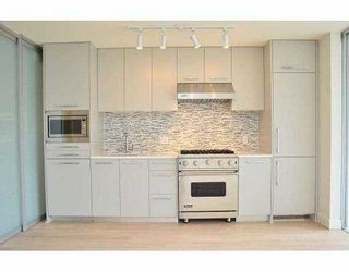 "Photo 3: 308 4355 W 10TH Avenue in Vancouver: Point Grey Condo for sale in ""IRON & WHYTE"" (Vancouver West)  : MLS®# V954621"