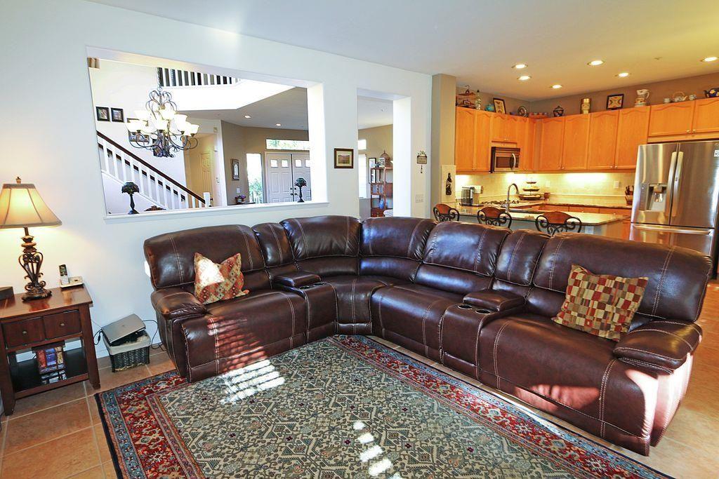 Photo 13: Photos: EAST ESCONDIDO House for sale : 5 bedrooms : 2329 fallbrook in Escondido