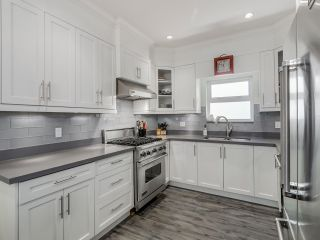 Photo 6: 865 E 10TH Avenue in Vancouver: Mount Pleasant VE 1/2 Duplex for sale (Vancouver East)  : MLS®# R2068935