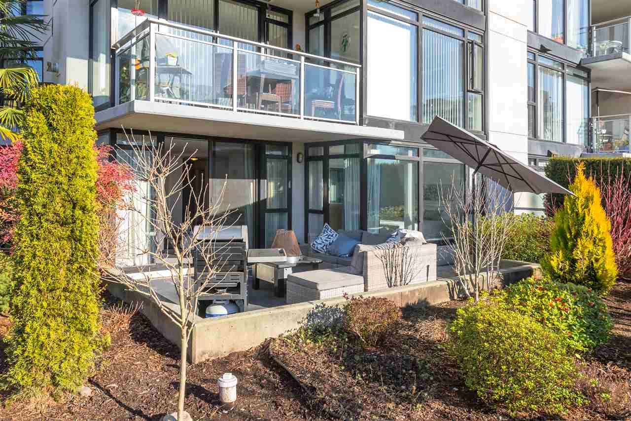 """Main Photo: 112 175 W 1ST Street in North Vancouver: Lower Lonsdale Condo for sale in """"Time Building"""" : MLS®# R2531662"""