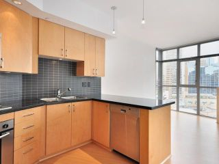 """Photo 5: 1205 1050 SMITHE Street in Vancouver: West End VW Condo for sale in """"THE STERLING"""" (Vancouver West)  : MLS®# V820853"""