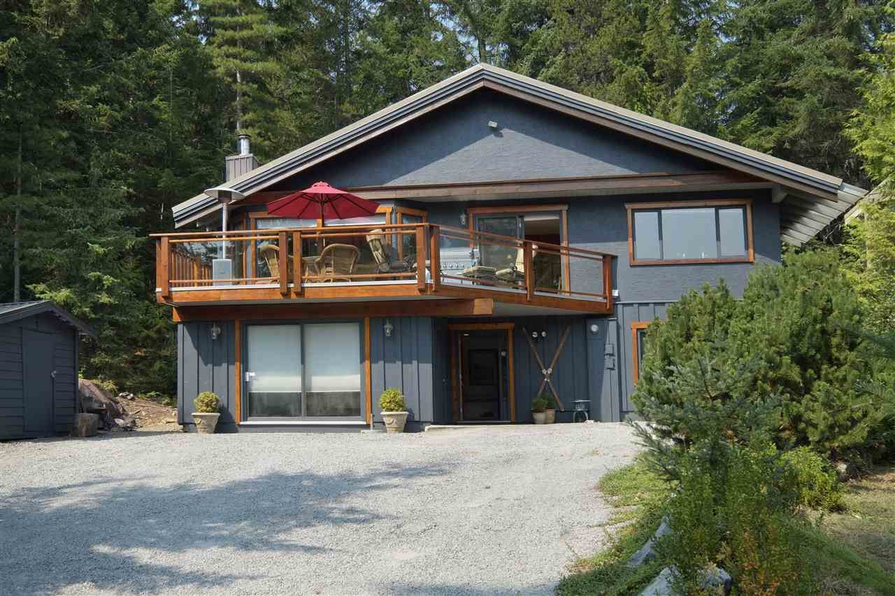 """Main Photo: 8333 RAINBOW Drive in Whistler: Alpine Meadows House for sale in """"Alpine"""" : MLS®# R2299873"""