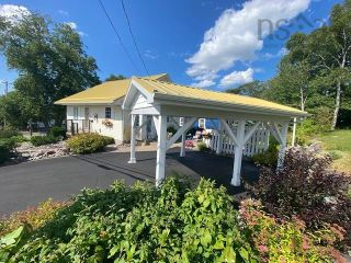 Photo 4: 631 Kings Road in Sydney: 201-Sydney Residential for sale (Cape Breton)  : MLS®# 202122049